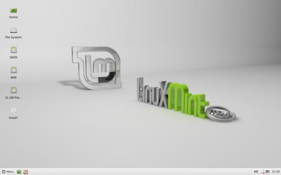 Mint 13 Xfce live desktop