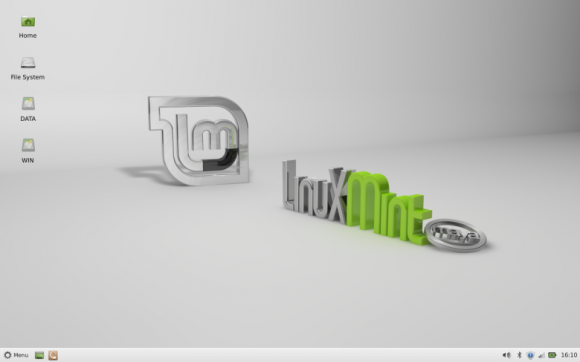 Mint 13 Xfce desktop