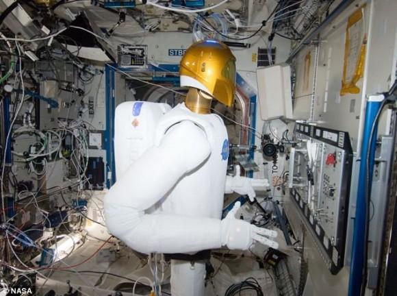 Robonaut na ISS-u