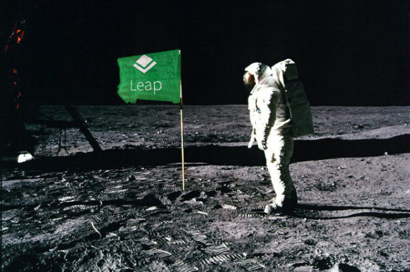 One small step from openSUSE, one giant leap for users - Izvor: Vernon Chan/Flickr