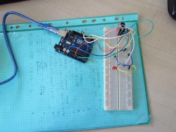 Ovako to izgleda spojeno na Arduino.